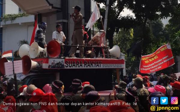 Bupati Kaget, Kok Bisa Gaji Non-PNS Diturunkan - JPNN.COM