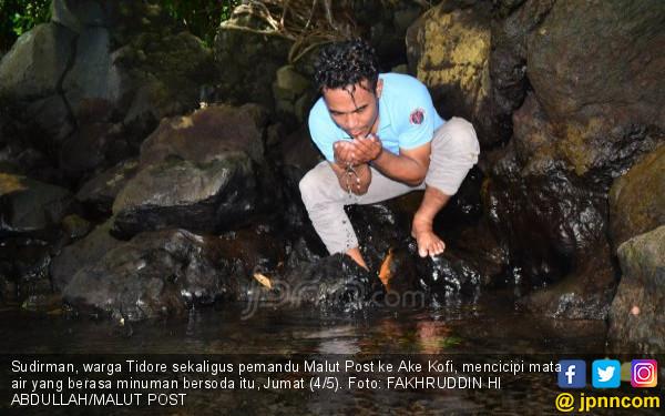 Mencicipi Mata Air Unik di Pulau Tidore, Rasa Bersoda - JPNN.COM