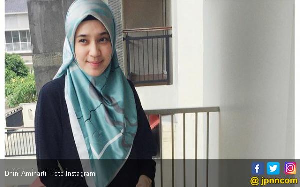 Dhini Aminarti Habiskan Waktu 1,5 Jam untuk Perawatan Harian - JPNN.com