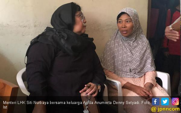 Menteri Siti Melayat ke Rumah Polisi Korban di Mako Brimob - JPNN.com