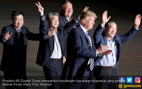 Korut Bebaskan Warga AS, Trump Langsung Pencitraan - JPNN.COM
