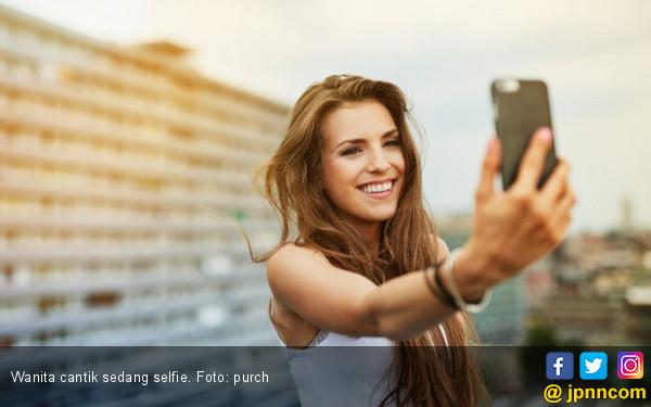 Hey Ladies, Ini Loh Efek Negatif dari Selfie - JPNN.COM