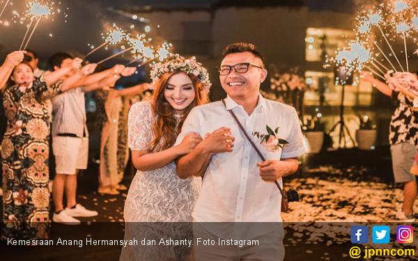 Akun Haters Sebut Anang Hermansyah Kerap 'Jajan' di Bogor, Respons Ashanty Bikin Jleb - JPNN.com
