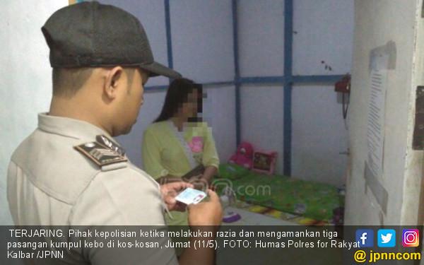 Kena Razia di Indekos, Si Wanita Hanya Pakai Piyama - JPNN.COM