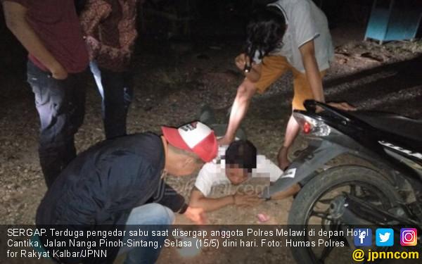 Detik detik polisi melakukan penangkapan ini fotonya daerah jpnn detik detik polisi melakukan penangkapan ini fotonya jpnn stopboris Choice Image
