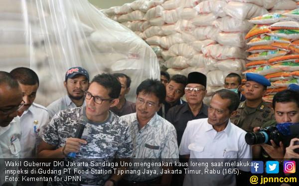 Pakai Kaus Loreng, Sandi Ajak Pejabat Kementan Berperang - JPNN.COM