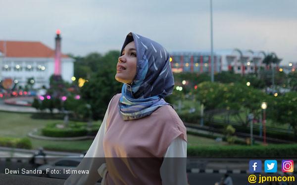 Intip Hobi Baru Dewi Sandra yang Banyak Manfaat - JPNN.COM