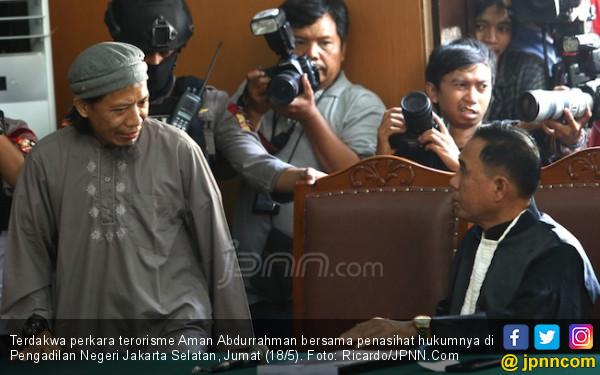 Secarik Kertas dari Aman Abdurrahman usai Dituntut Mati - JPNN.COM