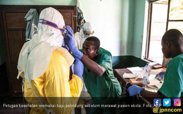 Wabah Ebola Menggila, Petugas Kesehatan Malah Dibantai Warga - JPNN.com