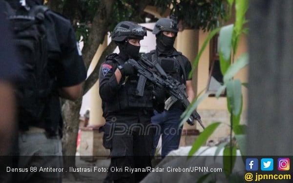 Densus 88 Tangkap Tiga Terduga Teroris Aceh