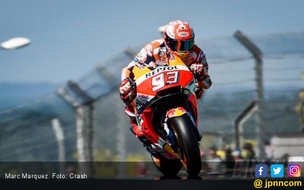 Detik-Detik Kecelakaan Besar FP1 MotoGP Thailand, Marquez Sempat Tak Bisa Bernapas - JPNN.com