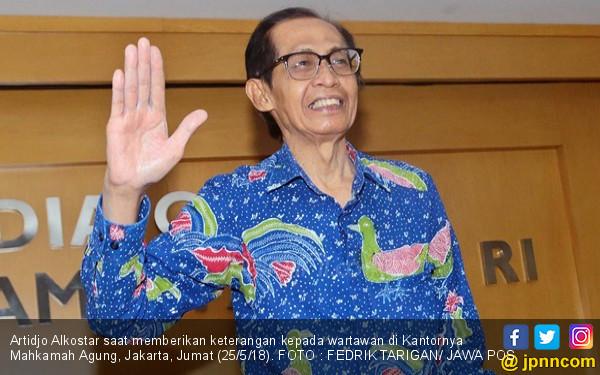 Artidjo Alkostar tak Mempan Godaan, Santet Salah Alamat - JPNN.COM