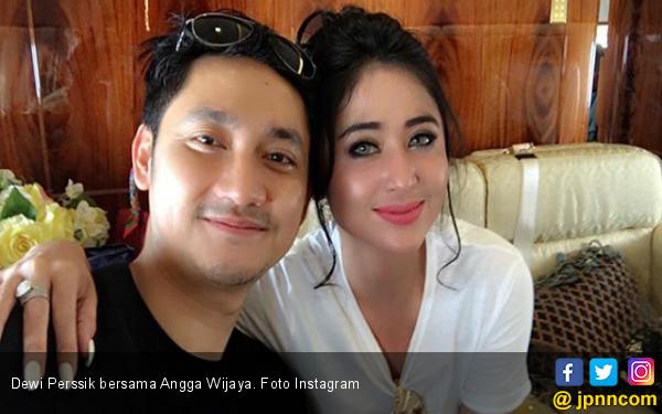 Sambil Menangis, Suami Dewi Perssik Curhat Sakit Hati dan Kerap Dibandingkan - JPNN.com