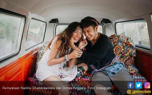 Ini Alasan Nadine Chandrawinata - Dimas Menunda Bulan Madu - JPNN.com