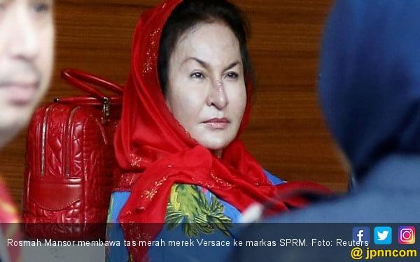Waduh, Perhiasan Mewah Nyonya Najib Ternyata Selundupan - JPNN.COM