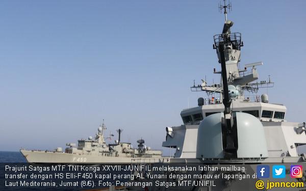 Prajurit TNI AL dan AL Yunani Gelar Latihan Mailbag Transfer - JPNN.COM