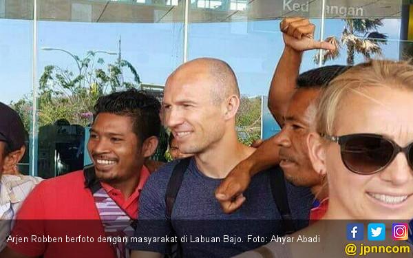 Gagal ke Rusia, Arjen Robben Berlibur di Indonesia - JPNN.COM
