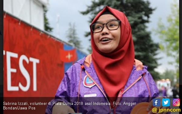 Sabrina, Wanita Berjilbab Asal Indonesia di Piala Dunia 2018 - JPNN.COM