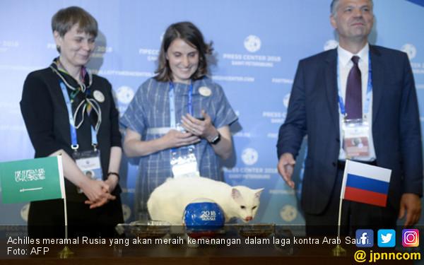 Achilles meramal Rusia yang akan meraih kemenangan dalam laga kontra Arab Saudi. Foto: AFP