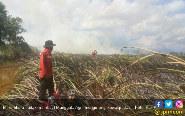 Manggala Agni Siaga Padamkan Api Jelang Idulfitri - JPNN.COM