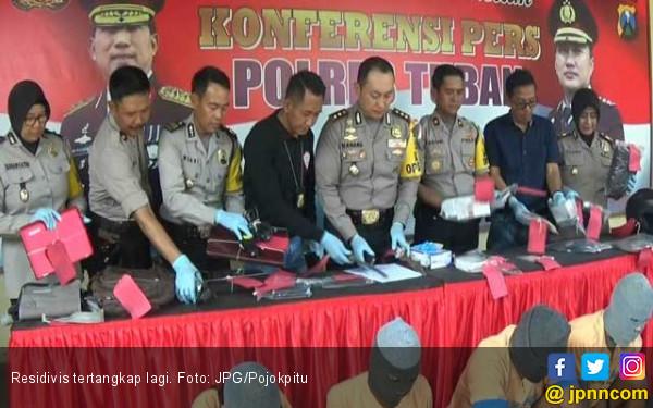 Pura-Pura jadi Polisi, Rampas Barang Milik Korban - JPNN.COM