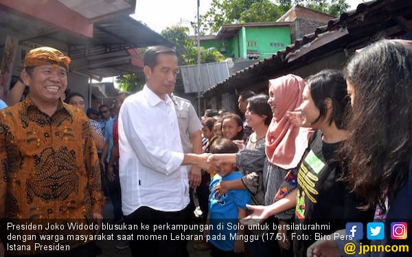 Saat Lebaran, Presiden Jokowi Menyapa Warga di Perkampungan - JPNN.com