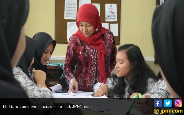 Krisis Guru, Usul Honorer Diangkat jadi CPNS - JPNN.COM