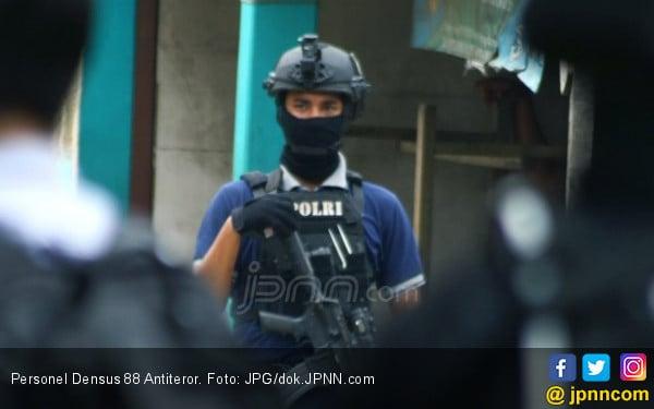 Teroris Lampura Adalah Eks Anggota Ujang Sebelum Bergabung ke Abu Hamzah - JPNN.com