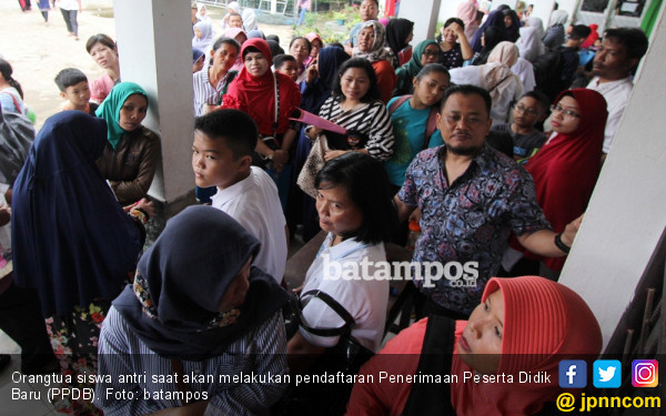 Tim Saber Pungli Bergerak Cegah Siswa Titipan Oknum Pejabat - JPNN.COM