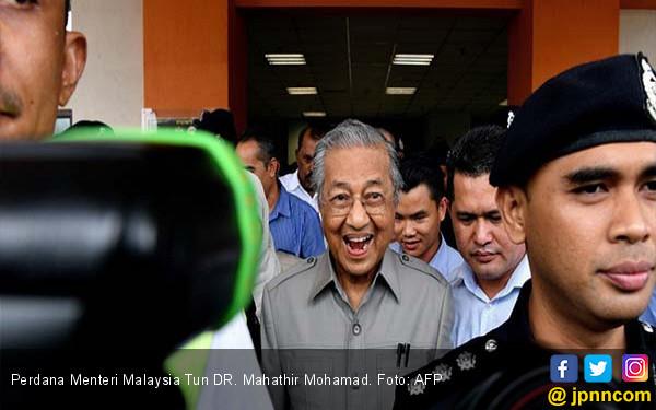Ultah Biasa Saja Perdana Menteri Tertua di Dunia - JPNN.COM