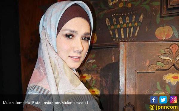 Job Manggung Berkurang, Mulan Jameela Jualan Baju Syar'i? - JPNN.COM