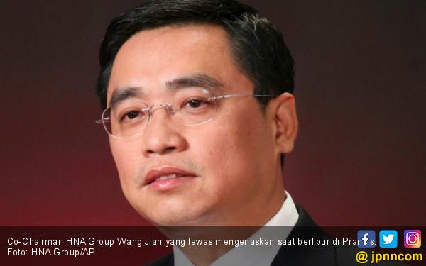 Keasyikan Berpose, Konglomerat Tiongkok Tewas Mengenaskan - JPNN.COM