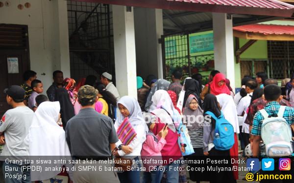 Siswa tak Tertampung di Negeri Disarankan ke Sekolah Swasta - JPNN.COM