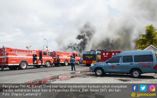 Saksi: Kebakaran 39 Kapal Ikan Bermula dari KM Cahaya Jaya - JPNN.COM