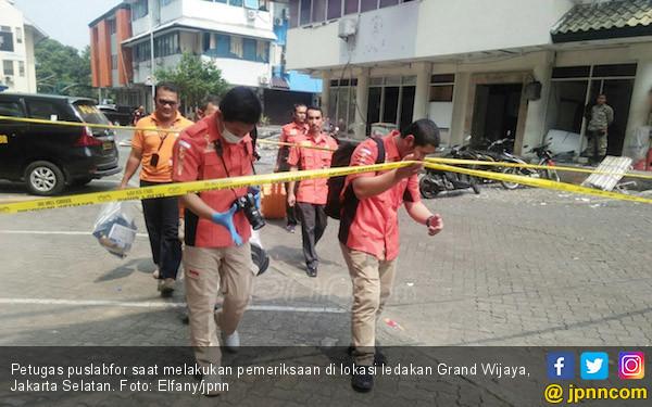 Ledakan di Grand Wijaya, Karyawan Diliburkan - JPNN.COM
