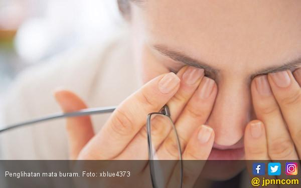 5 Alasan Mengapa Penglihatan Anda Buram - JPNN.COM