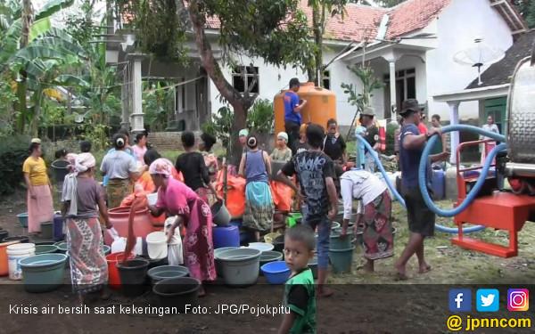Dilanda Kekeringan, Warga Terpaksa Beli Air Bersih - JPNN.com