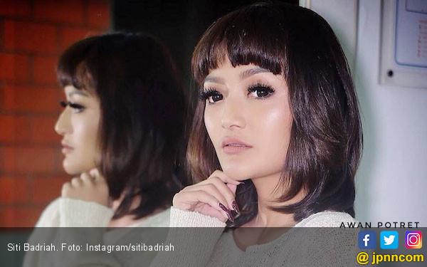 Siti Badriah Dilamar di Korea - JPNN.COM