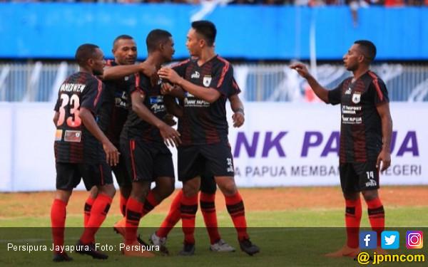 Lepas Osvaldo Lessa, Persipura Tetap Bidik Pelatih Asing - JPNN.COM