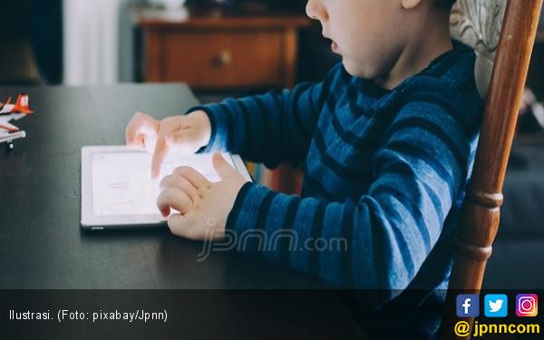 Menkominfo Minta Orang Tua Batasi Gadget ke Anak - JPNN.COM