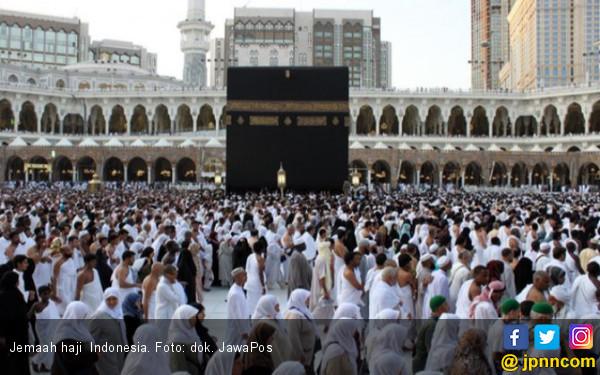 Pedih, 16 Calon Jemaah Haji Gagal Berangkat karena Pria Ini - JPNN.com