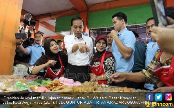 Mbah Pur Nekat Cegat Pak Jokowi di Pasar, Begini Ceritanya - JPNN.COM