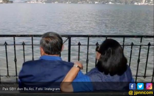 SBY Usung Prabowo, Bu Ani Kenang 42 Tahun Pernikahan, Lihat! - JPNN.COM