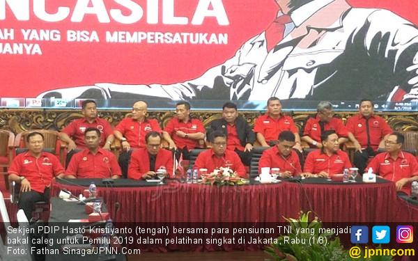 Alasan Mantan Perwira TNI Lebih Sreg Jadi Caleg Lewat PDIP - JPNN.COM