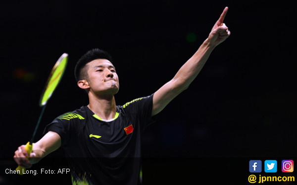 Chen Long Hentikan Kento Momota di Semifinal French Open - JPNN.COM
