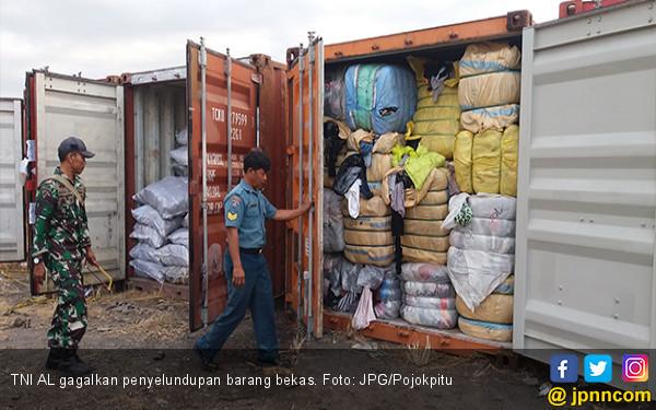 TNI AL Sikat Penyelundupan Ribuan Barang Bekas - JPNN.COM