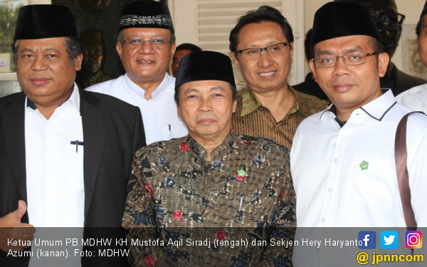 Tulus Mendukung, Ketum dan Sekjen MDHW Antar Jokowi-Ma'ruf - JPNN.COM