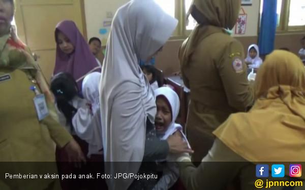 Polemik Sertifikat Halal Vaksin MR Masih Terjadi di Daerah - JPNN.COM