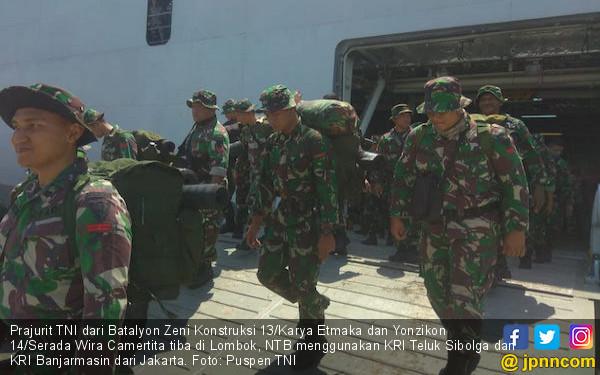 Ratusan Prajurit TNI Tiba di Lombok Bantu Korban Gempa - JPNN.COM