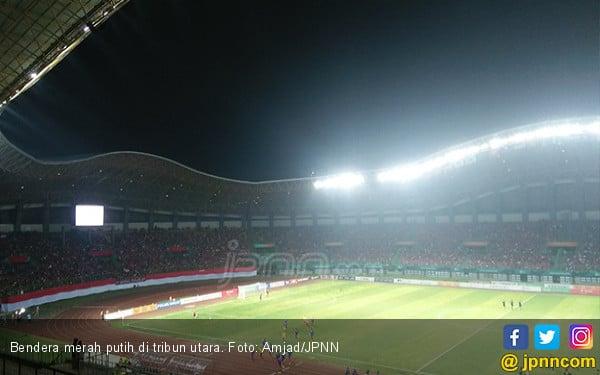 Keren! Bendera Merah Putih Panjang Bikin Pemain Takjub - JPNN.com